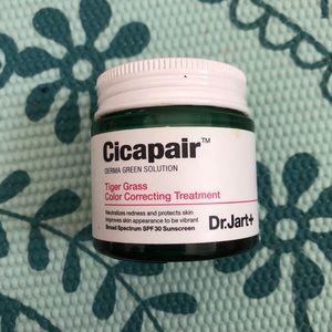 Dr. Jart+ Cicapair Tiger Grass Treatment